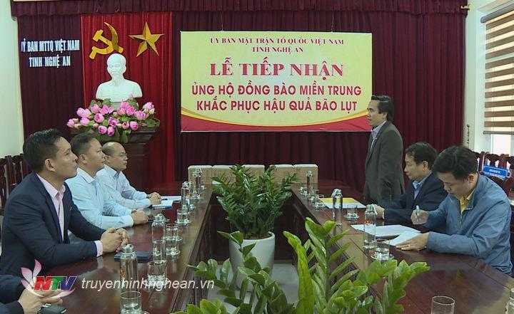 Phó Chủ tịch Mặt trận Tổ quốc tỉnh Lê Văn Ngọc phát biểu trân trọng cảm ơn tấm lòng của bà con kiều bào.