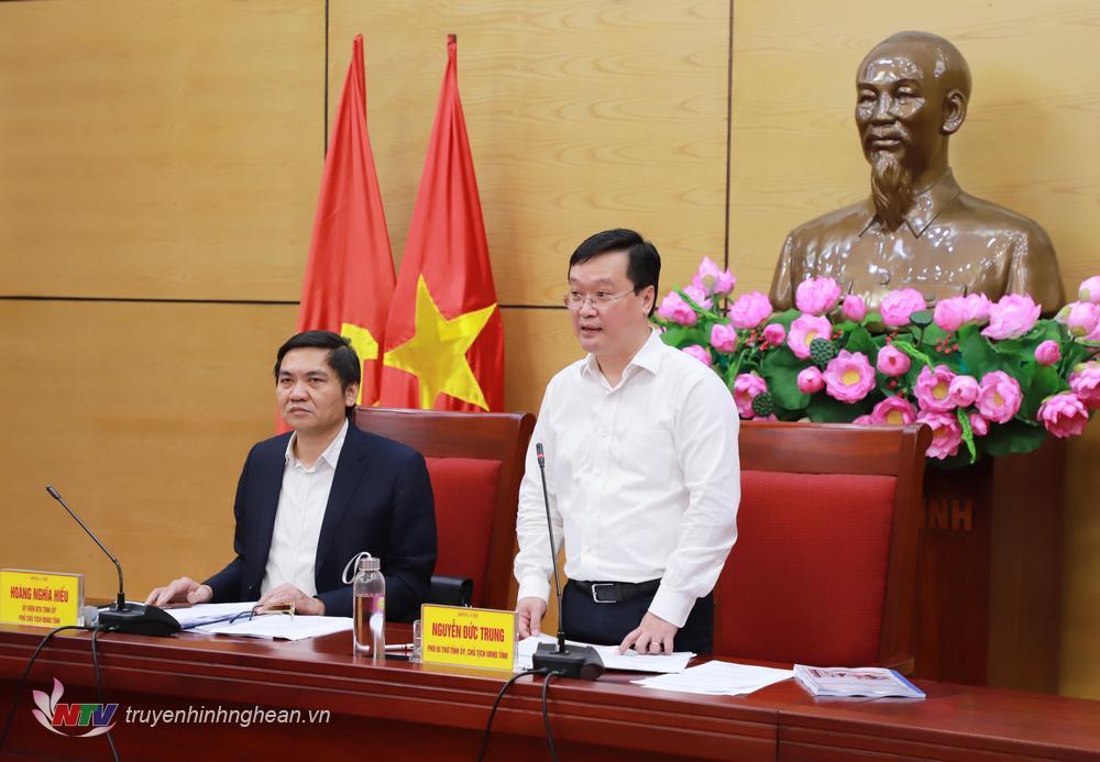 Chủ tịch UBND tỉnh Nguyễn Đức Trung phát biểu kết luận tại cuộc họp.