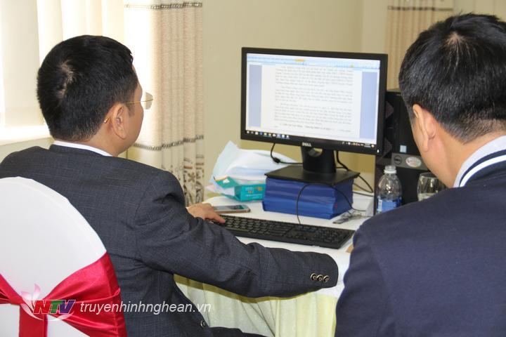 Tổ trực đường dây nóng của kỳ họp thứ 12, HĐND tỉnh khóa XVII.