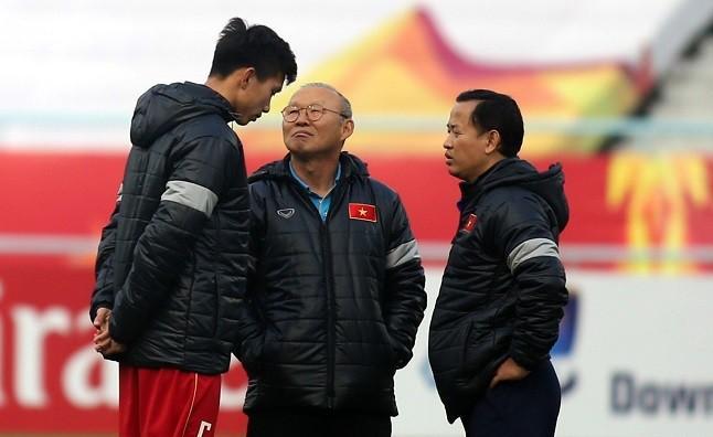 HLV Park Hang Seo không có quyền buộc Văn Hậu tập trung U23 Việt Nam do VCK U23 châu Á 2020 không thuộc hệ thống thi đấu của FIFA.
