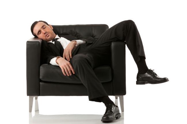 Thiếu ngủ: Thiếu ngủ có thể ảnh hưởng đến tâm trạng và khiến bạn lo âu. Điều này có thể gây ra các vấn đề về trí nhớ.