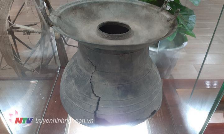 Nhiều hiện vật truyền thống được trưng bày.