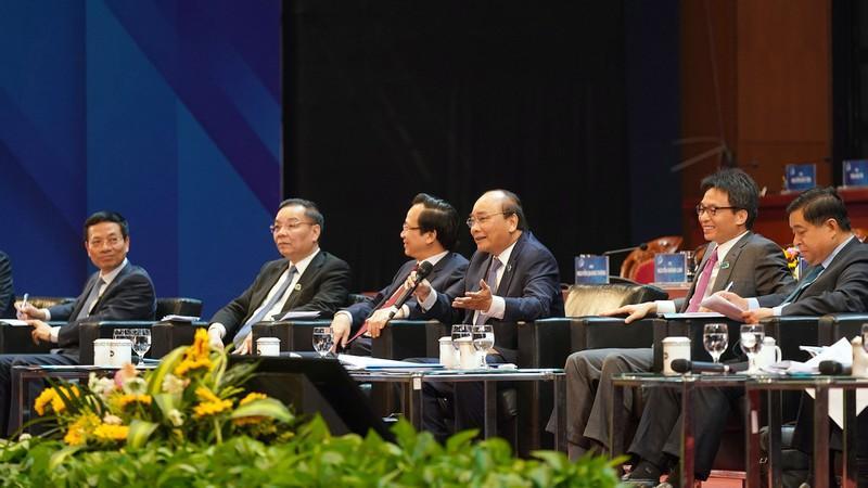 Thủ tướng Nguyễn Xuân Phúc đối thoại với thanh niên.