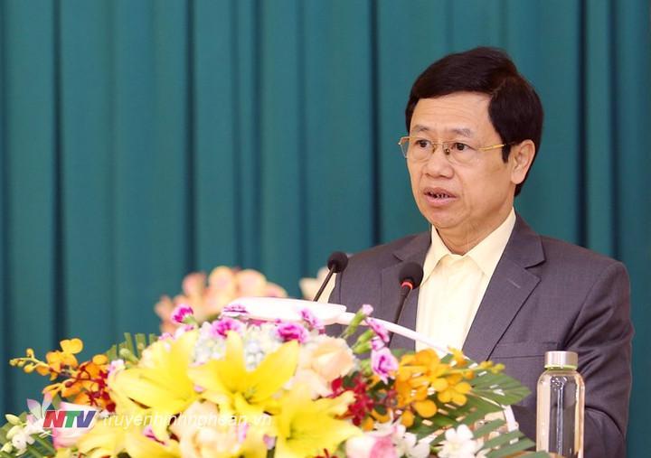 Phó Bí thư Thường trực Tỉnh ủy Nguyễn Xuân Sơn báo cáo kết quả 4 năm thực hiện Nghị quyết đại hội Đảng các cấp.
