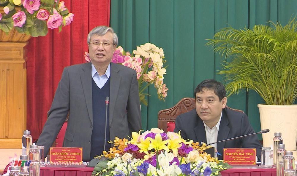 Đồng chí Trần Quốc Vượng phát biểu chỉ đạo buổi làm việc.