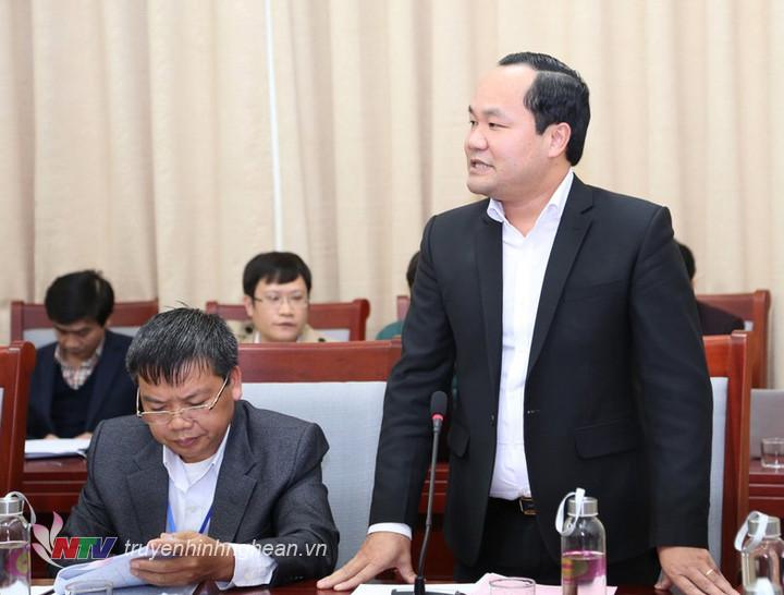 Chủ tịch UBND huyện Tân Kỳ nêu những bất cập trong công tác quản lý công chức cấp xã.