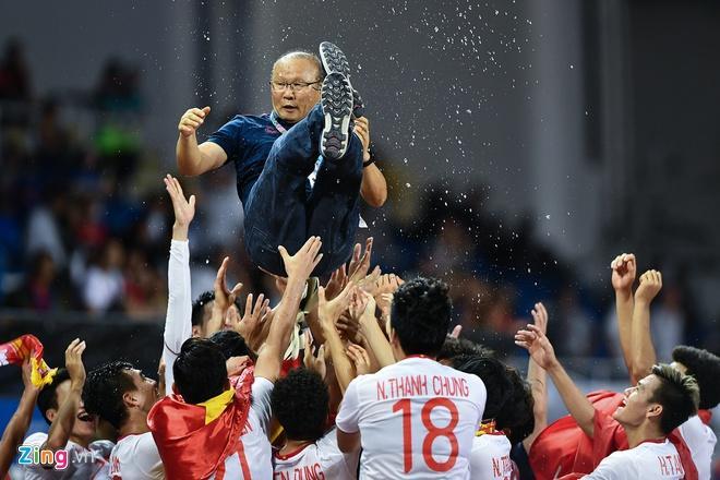 HLV Park dẫn dắt U22 Việt Nam mang về tấm HCV lịch sử ở SEA Games 30.
