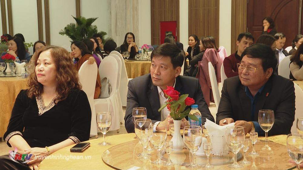 Các đại biểu dự buổi gặp mặt.