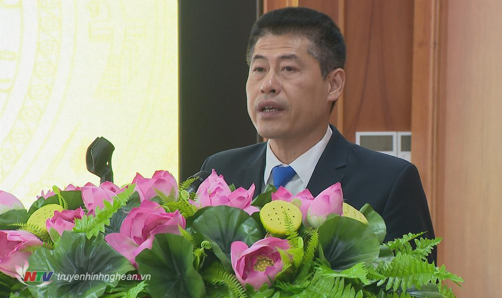 Bí thư Thị uỷ Hoàng Mai Lê Trường Giang phát biểu tại hội nghị.