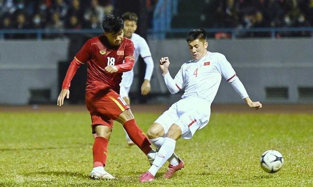Đức Chinh xoay người sút nhanh ấn định tỷ số 3-2. Trận này tiền đạo Phú Thọ ghi một bàn, kiến tạo một bàn cho Văn Quyết.