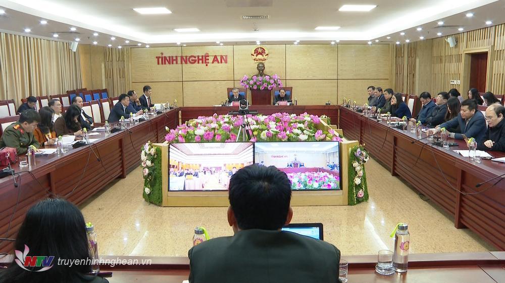 Chủ trì tại điểm cầu Nghệ An có các đồng chí: Lê Ngọc Hoa - Phó Chủ tịch UBND tỉnh; Hoàng Quốc Hào - Giám đốc Sở Tư pháp.