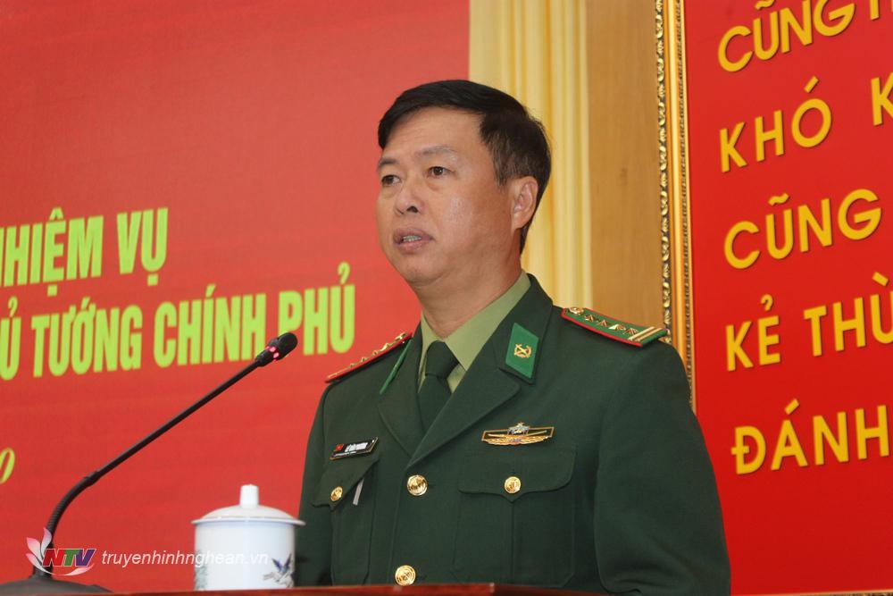 Đại tá Nguyễn Hoài Phương, Chỉ huy trưởng Bộ chỉhuy Biên phòng tỉnh Quảng Trị phát biểu tại hội nghị.