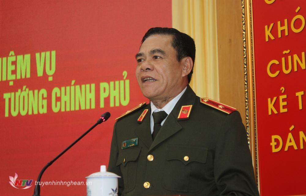 Thiếu tướng Võ Trọng Hải, Giám đốc công an tỉnh Nghệ An phát biểu tại hội nghị.