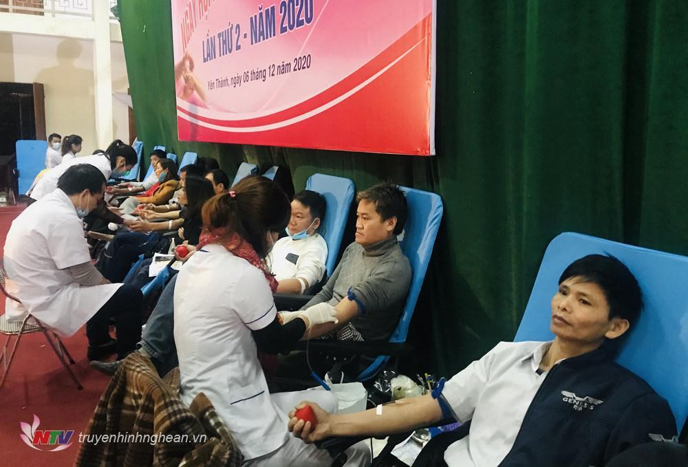 đã có 673  đơn vị máu đạt tiêu chuẩn cho Trung tâm huyết học tỉnh
