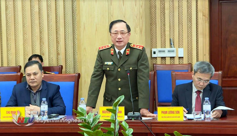 Thứ trưởng Bộ Công an phát biểu về công tác thực hiện chính sách BHXH, BHYT của tỉnh Nghệ An.