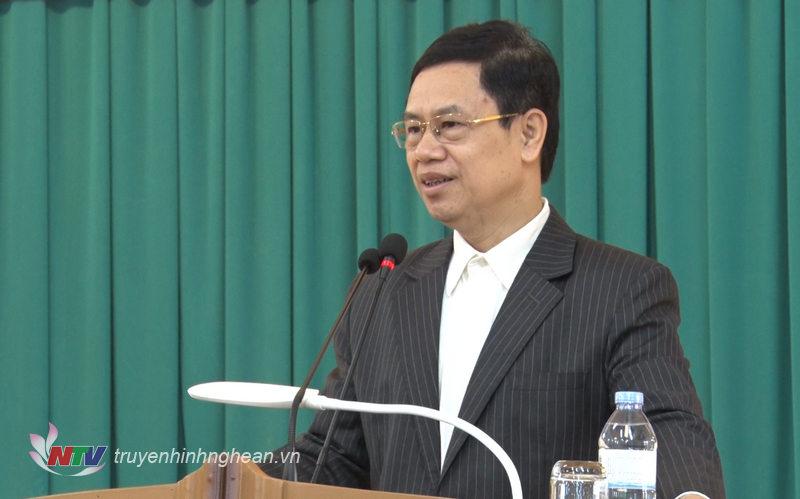 Phó Bí thư Thường trực Tỉnh ủy Nguyễn Xuân Sơn phát biểu tại hội nghị.