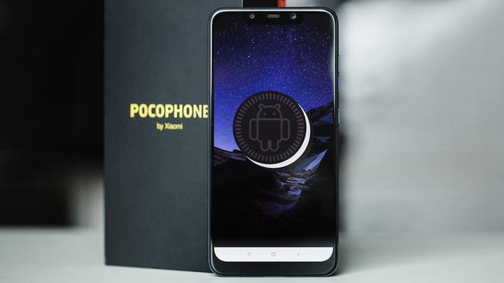 6. Honor 20  Sau thành công của Honor 10, người dùng mong chờ siêu phẩm 2019 với tên gọi (tạm thời)  Honor 20 sẽ có sự đổi mới trong thiết kế để ngày càng hấp dẫn hơn, thông số kỹ thuật tốt (camera chuyên nghiệp, bộ xử lí tích hợp trí tuệ nhân tạo…) và giá thấp hơn so với những mẫu điện thoại cao cấp trên thị trường.