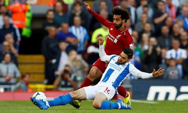 Alireza Jahanbakhsh (trắng) đang thi đấu cho CLB Brighton & Hove Albion.