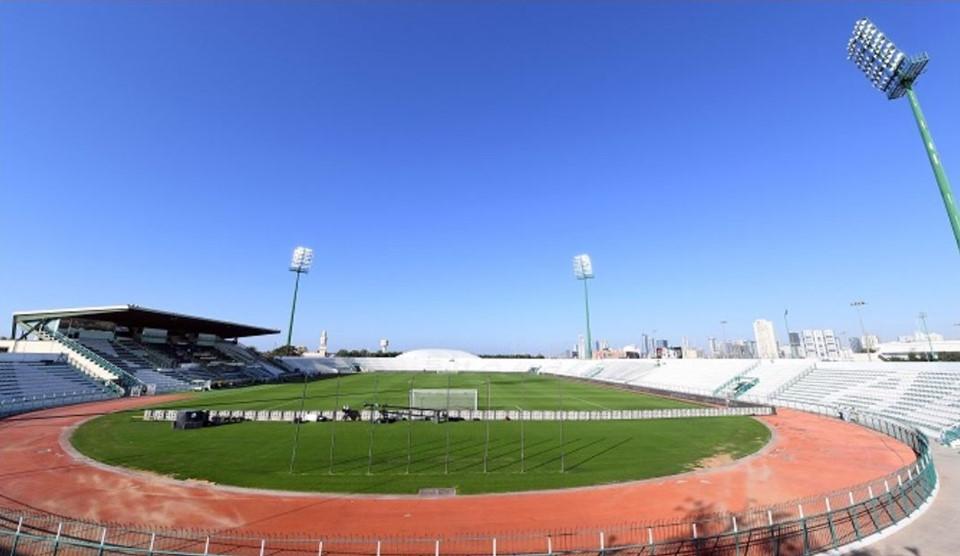 Maktoum bin Rashid Al Maktoum (thành phố Dubai, sức chứa 12.000 chỗ ngồi): Sân bóng này được đặt theo tên của Thủ tướng UAE – ông Maktoum bin Rashid Al Maktoum. Ban đầu, thành phố Dubai có ý định biến Maktoum bin Rashid Al Maktoum thành sân bóng có sức chứa lớn nhất Trung Đông (60.000 chỗ ngồi). Mặc dù vậy, kế hoạch đó sớm phá sản và sân bóng này chỉ có sức chứa 12.000 chỗ ngồi. Nơi đây tổ chức 4 trận vòng bảng và 1 trận vòng 16 đội.