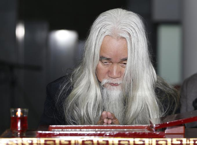 Nhà phê bình văn học Phạm Xuân Nguyên bên linh cữu bạn. Ông kể cuối đời, nhạc sĩ đau buồn trước tình trạng bệnh tình. Khi được bạn bè động viên, Nguyễn Trọng Tạo nhanh chóng lấy lại tinh thần lạc quan, vui vẻ.