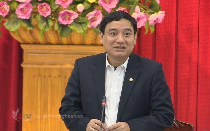 Bí thư Tỉnh ủy Nguyễn Đắc Vinh phát biểu tại hội nghị.