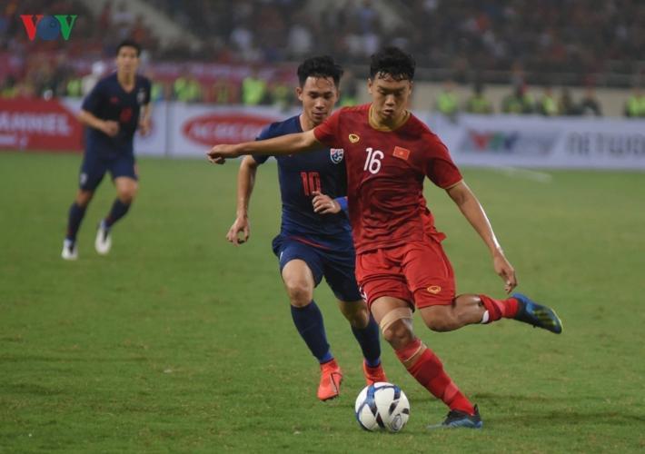 Hiệp 1 khép lại với tỷ số 1-0 nghiêng về U23 Việt Nam.