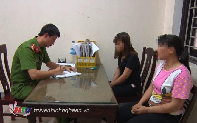 Công an tỉnh lấy lời khai của 2/3 nạn nhân trong vụ mua bán người.
