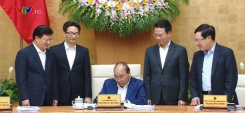 Thủ tướng Nguyễn Xuân Phúc ký quyết định phê duyệt Quy hoạch phát triển và quản lý báo chí toàn quốc đến năm 2025. Ảnh: VTV