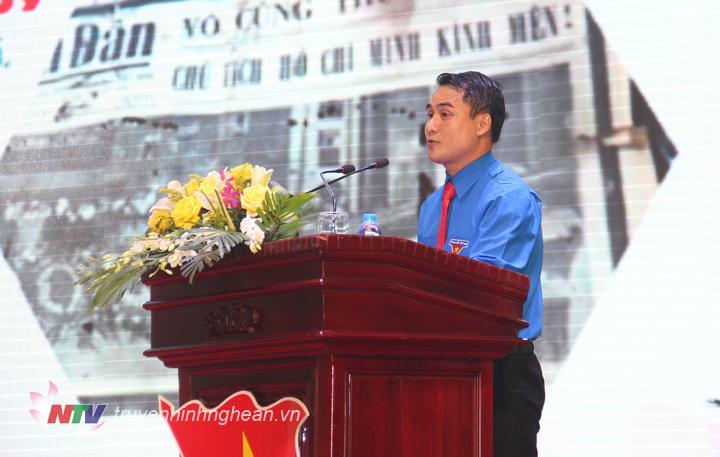 Bí thư Đoàn khối các cơ quan tỉnh Nghệ An phát biểu tại buổi giao lưu, gặp gỡ.