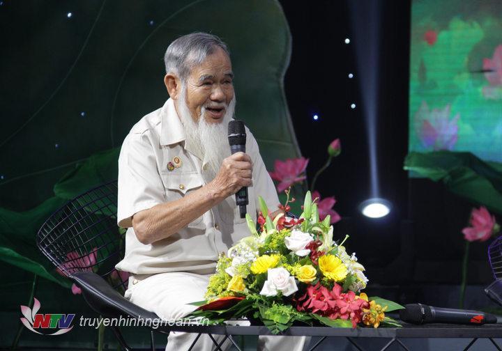 Nhà báo Nguyễn Thế Viên nói về lần được tháp tùng Chủ tịch Hồ Chí Minh về thăm xã Vĩnh Thành (huyện Yên Thành) vào tháng 12/1961.