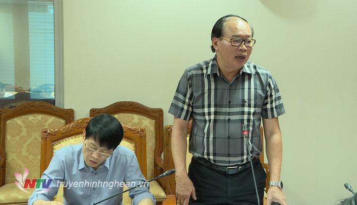 Ông Nguyễn Hồng Hải - Phó Chi cục trưởng Cục Thuế Nghệ An phát biểu góp ý tại hội nghị.