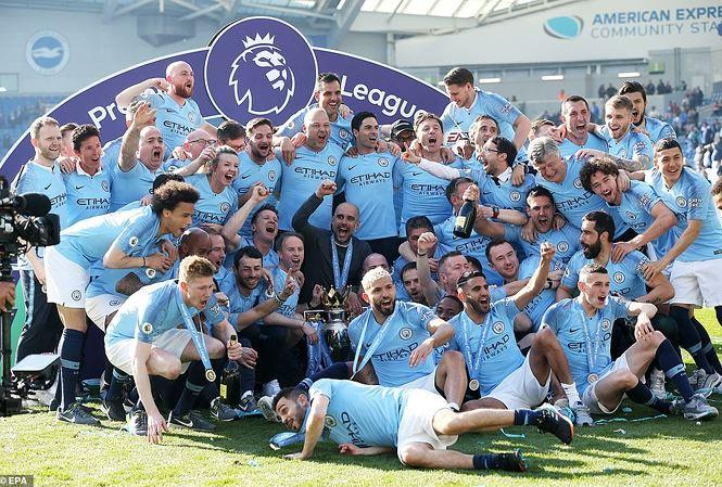 Man City ăn mừng chức vô địch sau chiến thắng trước Brighton