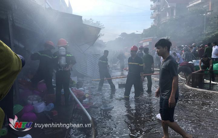 Vụ cháy tại chợ Hưng Dũng - TP Vinh