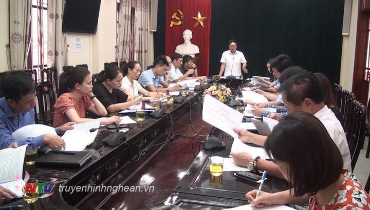 Sở VH-TT làm việc với UBND TP Vinh về kế hoạch triển khai phố đi bộ.