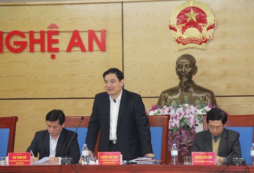 Đồng chí Nguyễn Đắc Vinh - Ủy viên BCH Trung ương Đảng, Bí thư Tỉnh ủy, Trưởng Đoàn ĐBQH tỉnh nhấn mạnh chăm lo xây dựng Đảng trong khối chính quyền.