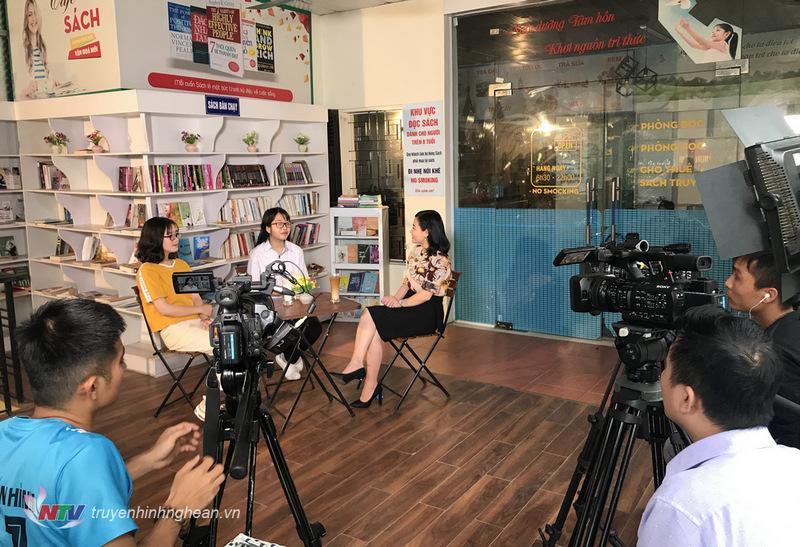 Quán cafe Sách (số 95 Nguyễn Phong Sắc - TP Vinh) là điểm hẹn của cuộc trò chuyện