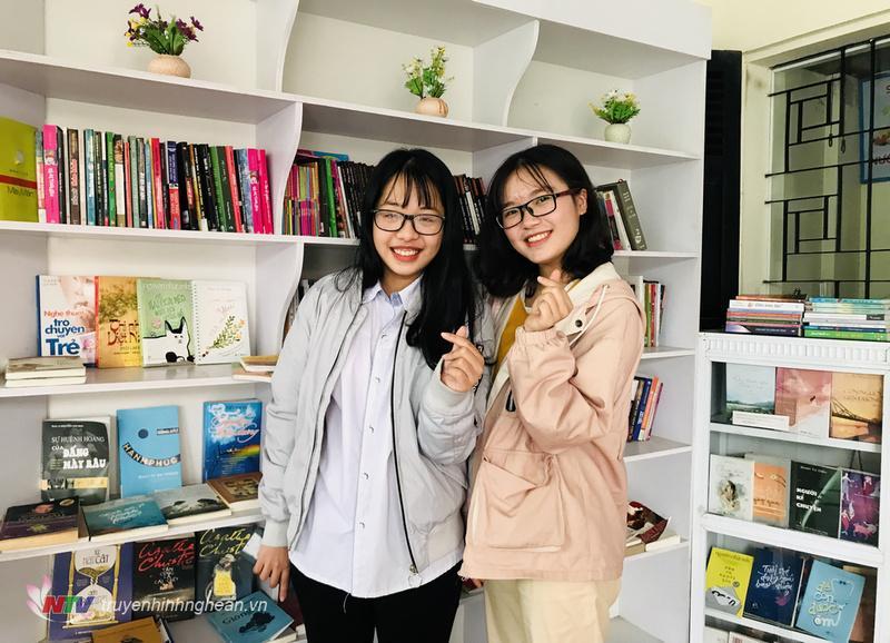 Quỳnh Châu và Phương Hoa đáng yêu trước cuộc trò chuyện