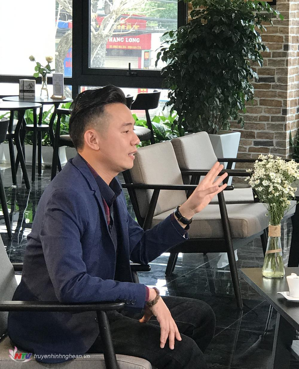 Diễn viên Việt Bắc - vai Thiên Lôi 3 trong Táo quân 2018  với câu mặc cả ấn tượng bằng giọng Nghệ