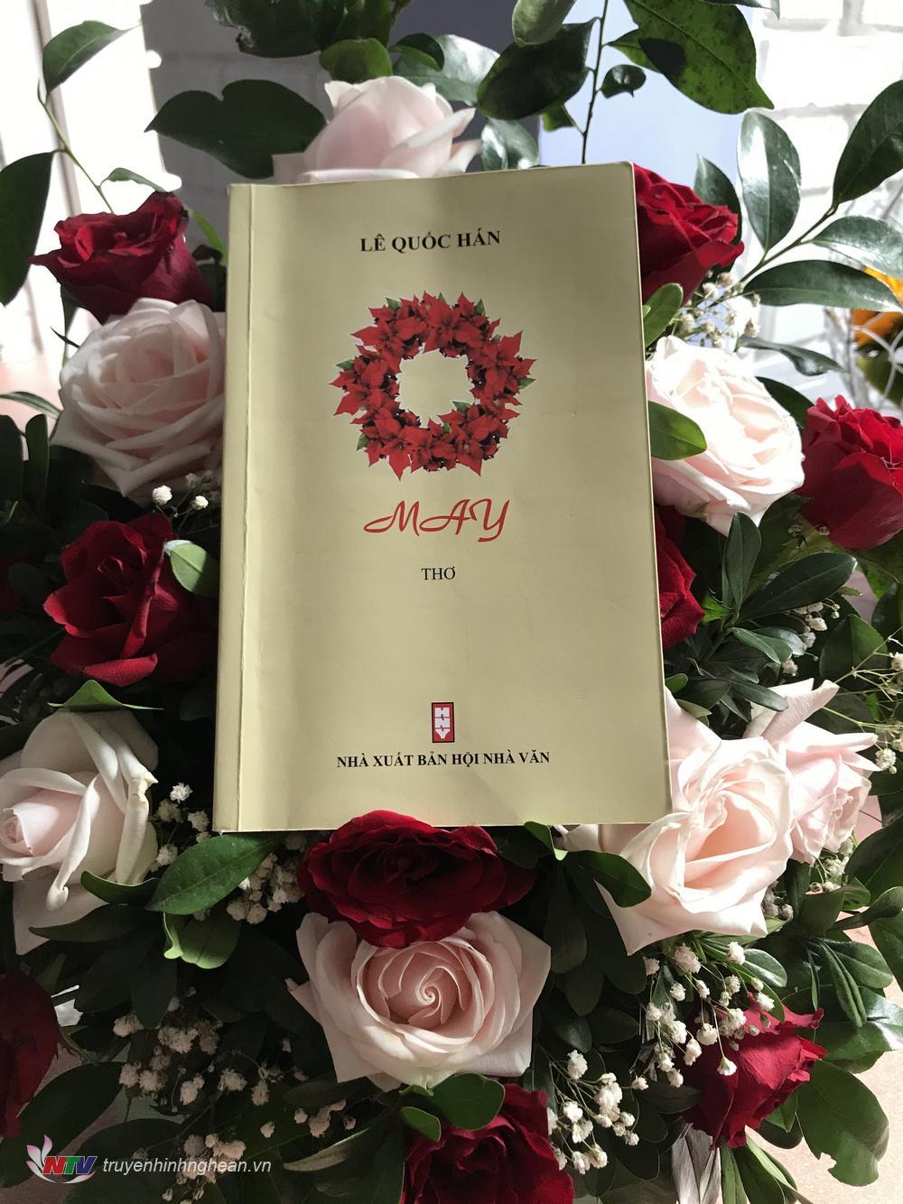 """Tập thơ """"May"""" của PGS - TS toán học, nhà thơ Lê Quốc Hán vừa trình làng tháng 10 – năm 2019."""