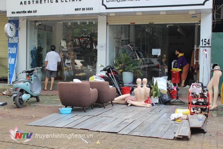 Hình ảnh ghi nhận trên tuyến đường Nguyễn Văn Cừ.